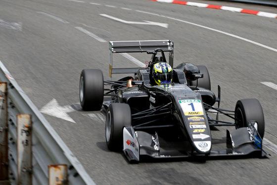 Crashfestival spült Mick Schumacher vor