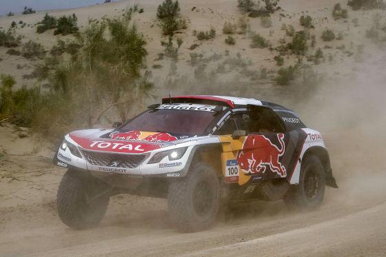 Loeb schrottet neuen Peugeot