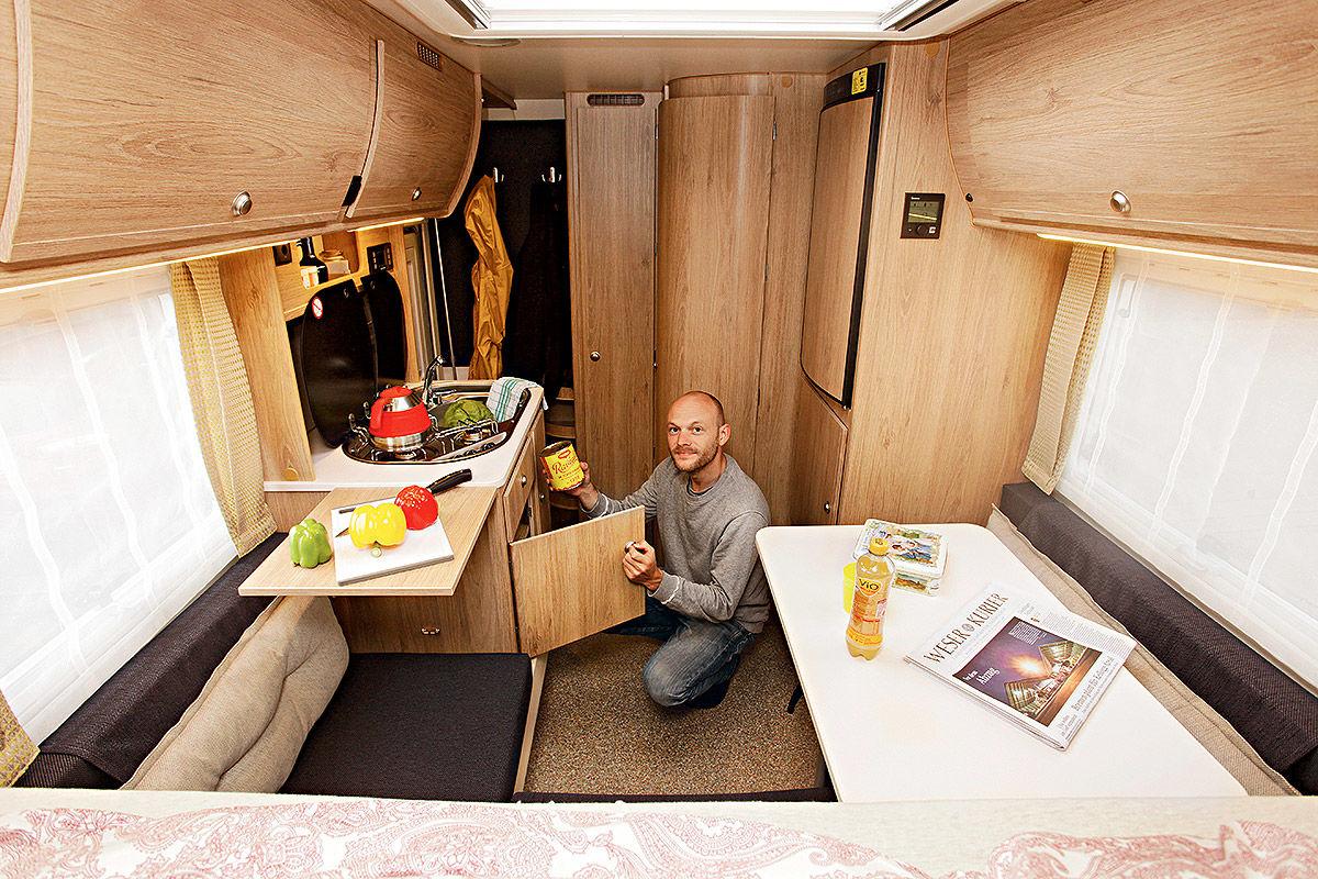 wohnmobil test vw amarok mit tischer kabine 230 s bilder. Black Bedroom Furniture Sets. Home Design Ideas
