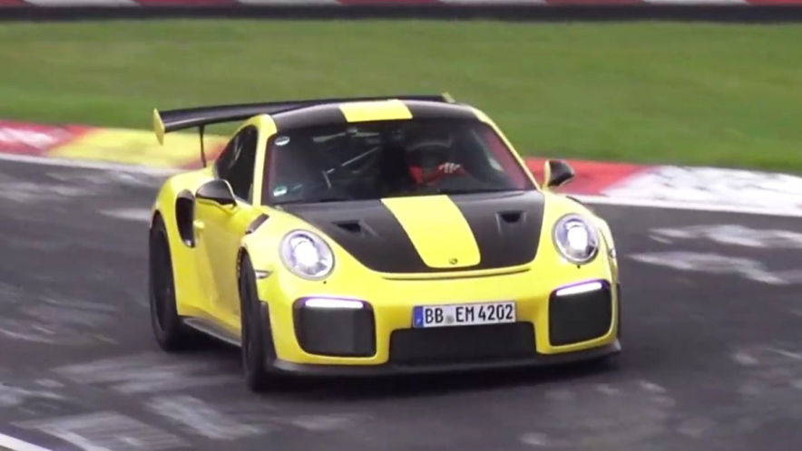 Video: Porsche GT2 RS On Board (2017) - AUTO BILD