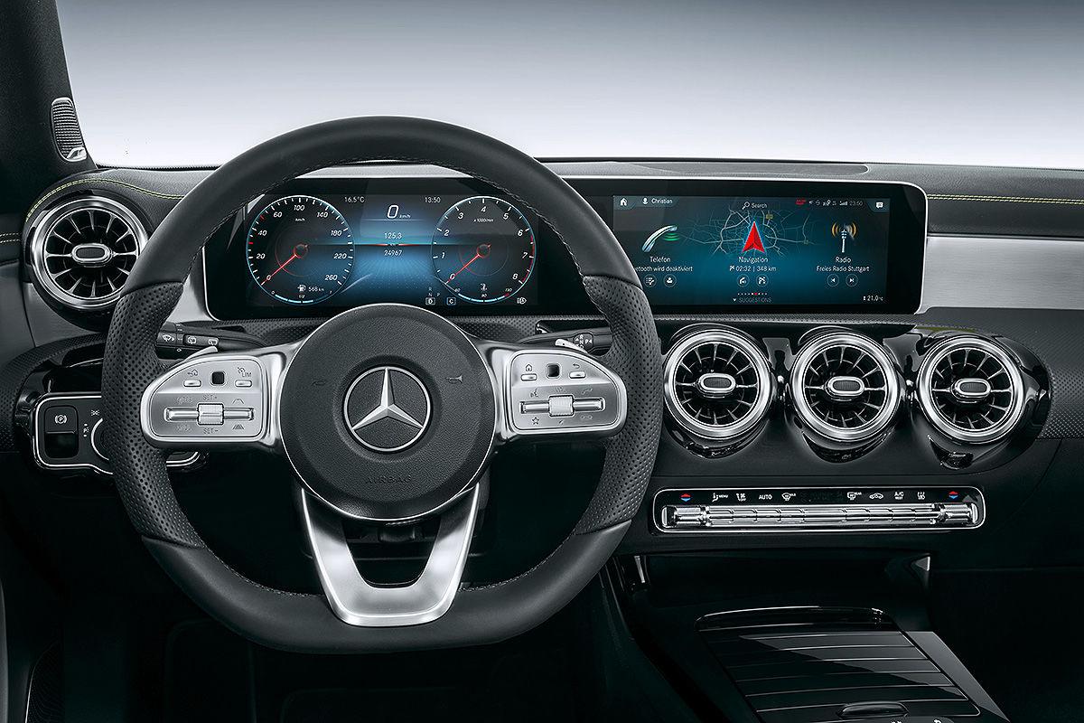 High-Tech im Mercedes-Cockpit