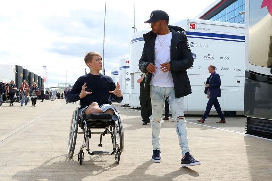Auch ohne Beine will er F1-Fahrer werden
