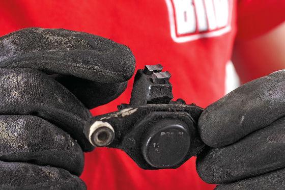 Anlasser und Lichtmaschine reparieren
