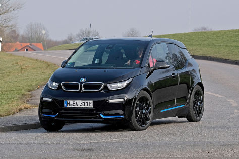 bmw i3s im test was kann der neue e bmw mit sportfahrwerk. Black Bedroom Furniture Sets. Home Design Ideas