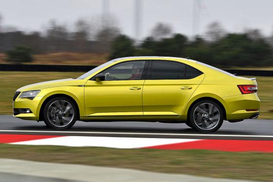 Test: Opel Insignia GSI vs. Skoda Superb 2.0 TSI - autobild.de
