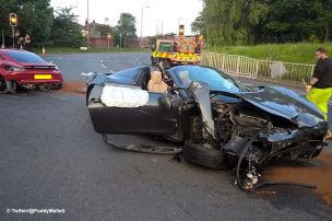 Ferrari crasht Porsche
