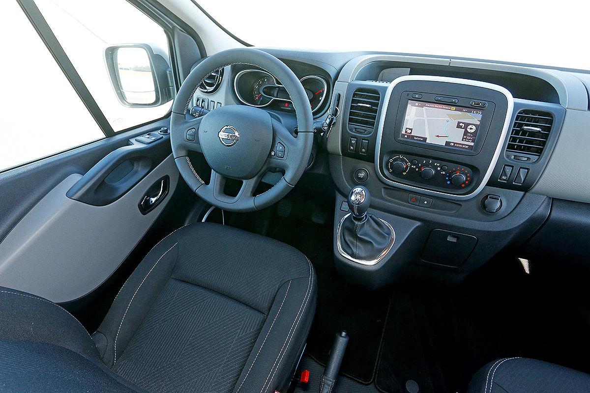 Wohnmobil Nissan Michelangelo - Cockpit