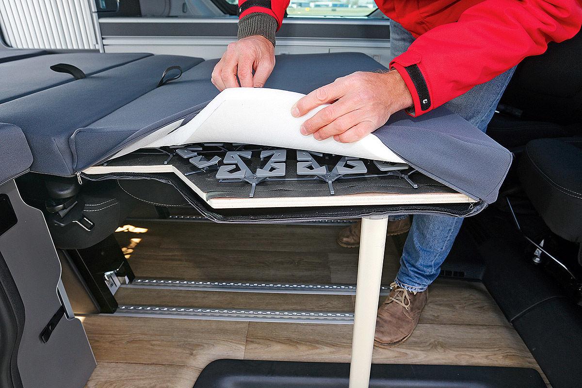 Wohnmobil Nissan Michelangelo - unteres Bett
