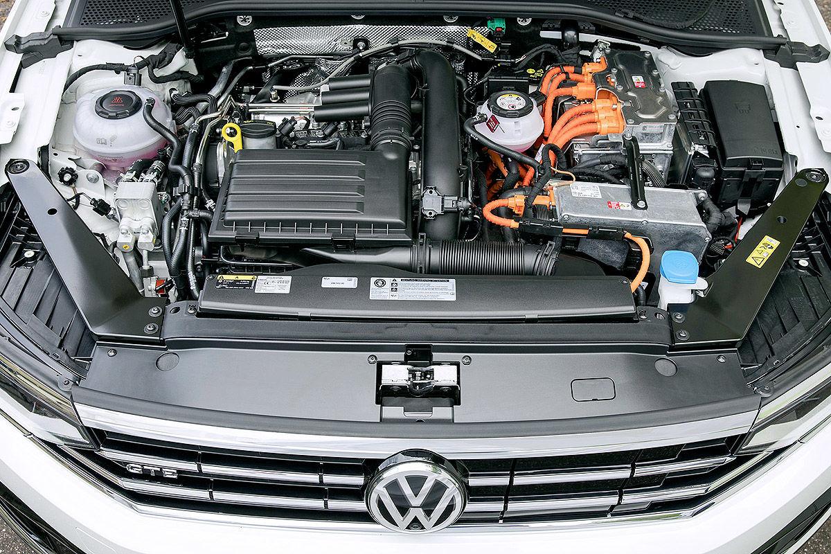 VW Passat Variant GTE