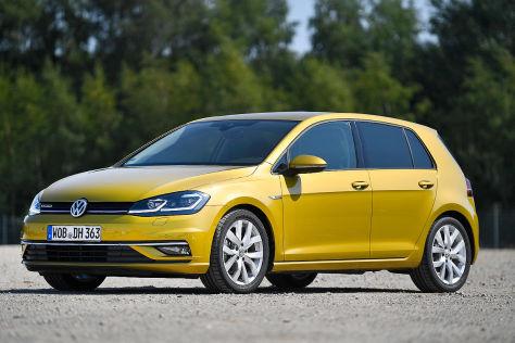 Fehlende Zulassung: VW parkt Autos auf BER