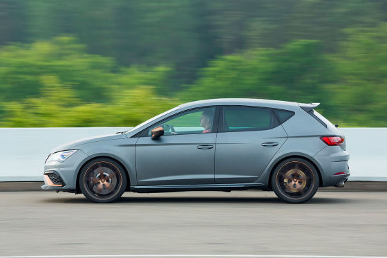 seat leon cupra r im track test. Black Bedroom Furniture Sets. Home Design Ideas