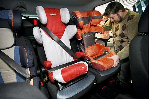 Eines von nur 21 Positiv-Beispielen: Im Fiat Multipla passt's.