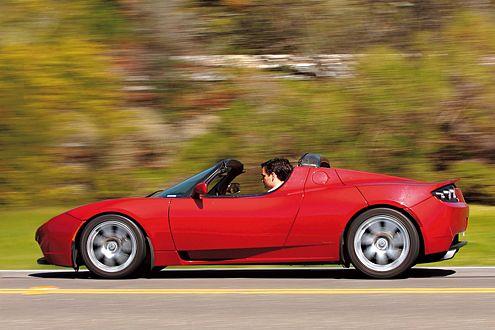 Fahren im Tesla Roadster hört sich an wie eine Carrerabahn.