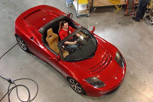 Vom Kleinserienbauer zum Big Player: Tesla will mit den Großen gleichziehen.