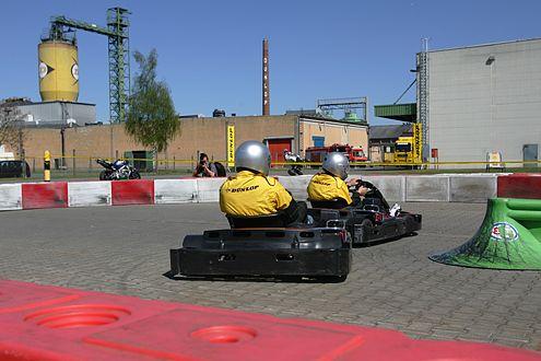 Action auf der Piste: Die Finalisten fahren die Startreihenfolge aus.