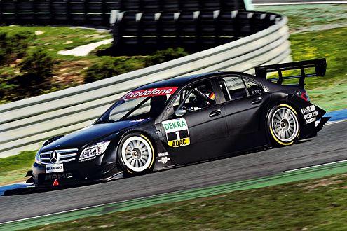 Der DTM Mercedes 2007 auf der Basis des neuen C-Klasse-Modells