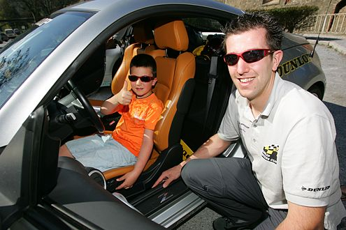 Zwei Generationen Autobegeisterung: Erik den Dekker und Augusta (links).