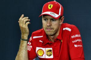Vettel flippt im Cockpit aus