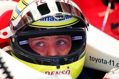 Ralf Schumacher im Cockpit. Unsicherheit im Blick, Zukunft fraglich.