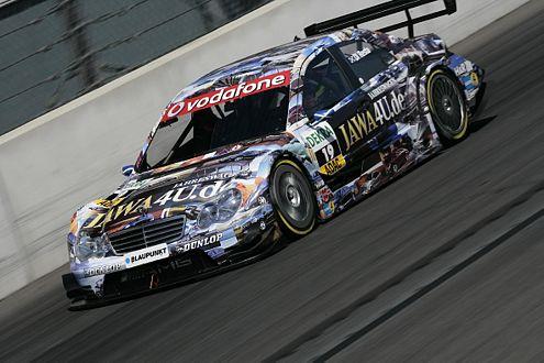 Paul di Resta über nimmt die Gesamtführung im 2005er Mercedes.