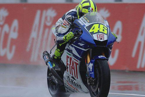 Im Regen konnte selbst Valentino Rossi der Pace von Alexander Hofmann nichts entgegensetzen.