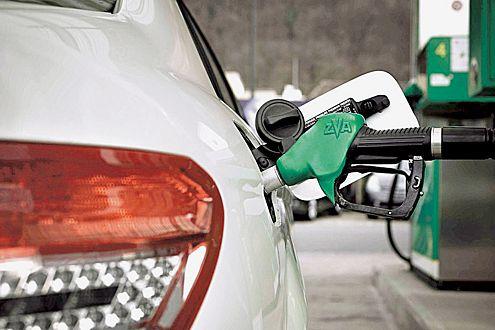 Laut Experten sind an den hohen Spritpreisen die Ölkonzerne schuld.