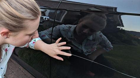 Vandalismus: Auto zerkratzt, was tun?