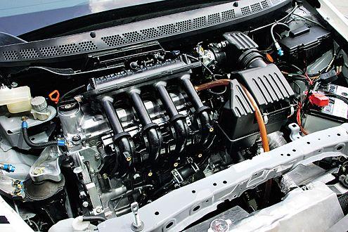 Reif für den Ring! Ein 1,5-Liter-Benziner plus 20-PS-E-Motor sollen es richten.