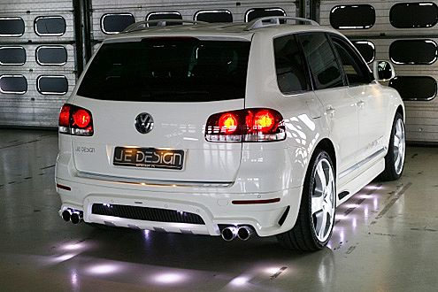 Fast zu schade für die heimische Garagen-Show: LED-Einstiegslampen.