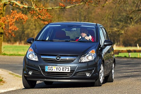 Der Corsa liegt auf Platz vier und damit vor dem Polo: Opel feiert.