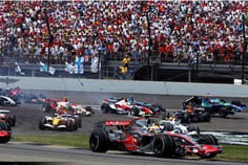 Lewis Hamilton ließ nach der ersten Kurve nichts mehr anbrennen.