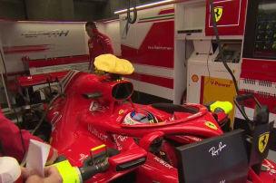 Wovon lenkt Ferrari ab?