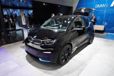 elektroautos in paris 5 diesel und benziner alternativen. Black Bedroom Furniture Sets. Home Design Ideas