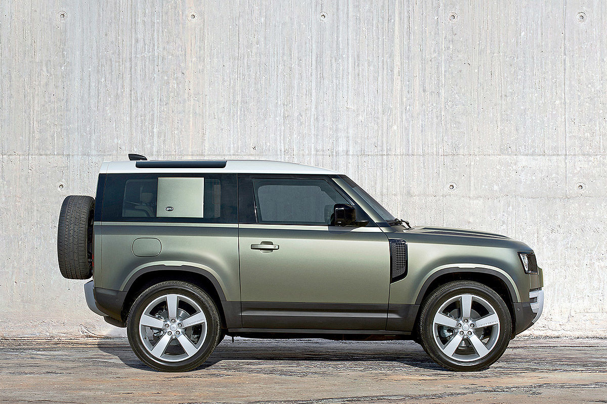 Land Rover Defender (2019) 18