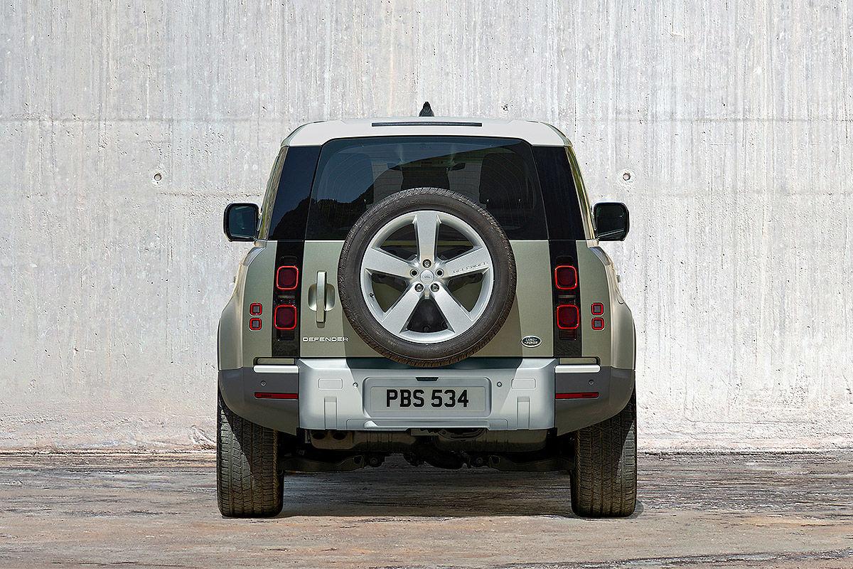 Land Rover Defender (2019) 22
