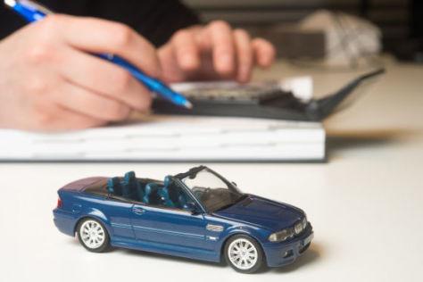 finanztest-testet-kfz-versicherungstarife-mit-dem-richtigen-tarif-mehrere-hundert-euro-sparen
