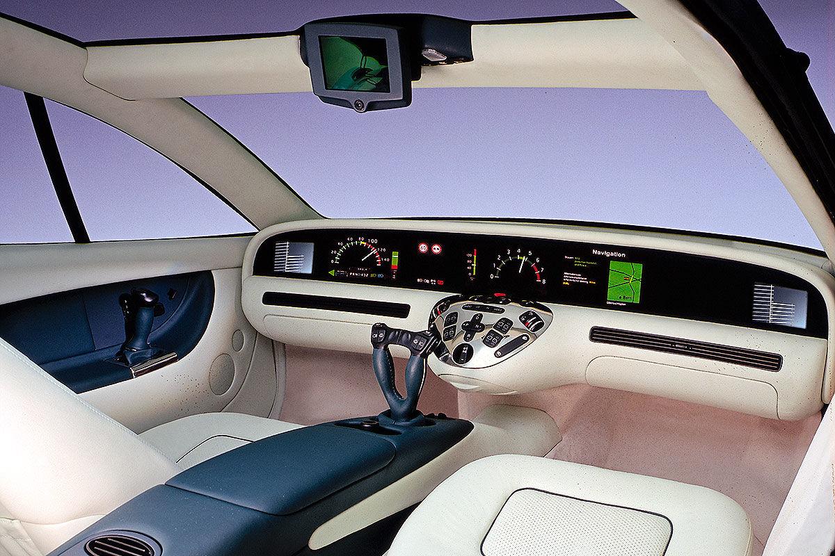 16 Digital-Cockpits der 70er, 80er und 90er