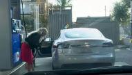 Tesla-Fail: Video von der Tankstelle