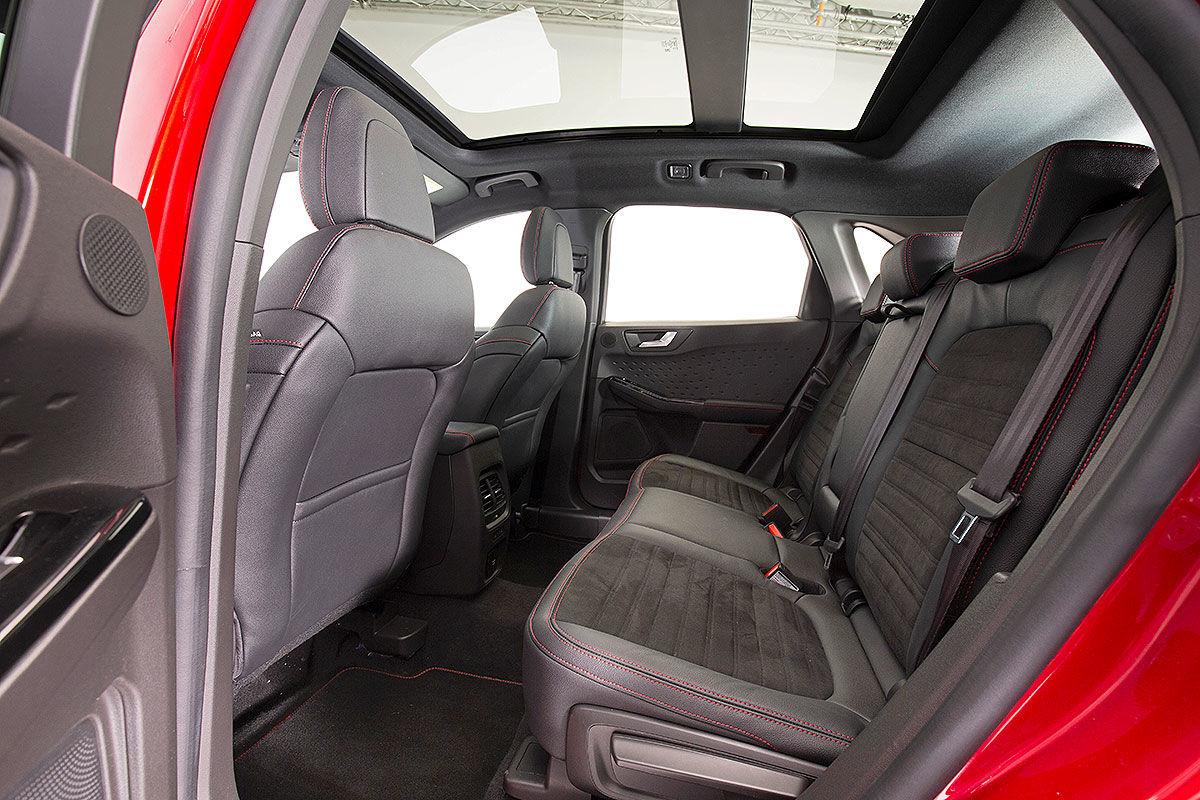 Ford Kuga III (2019) 22