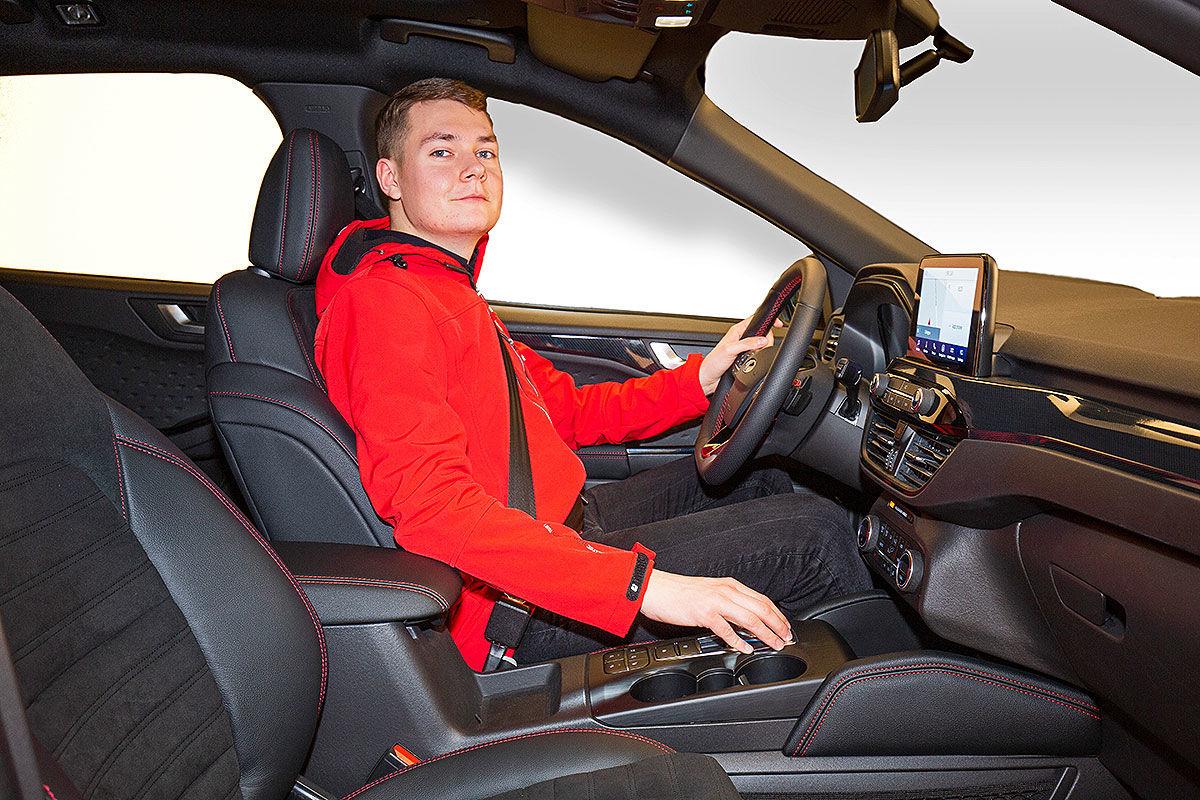 Ford Kuga III (2019) 20