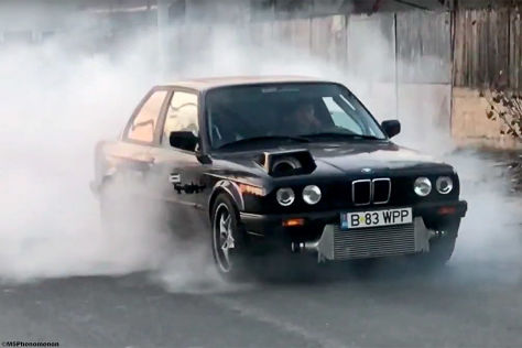 bmw 3er e30 mit monster turbo und ber 1000 ps. Black Bedroom Furniture Sets. Home Design Ideas