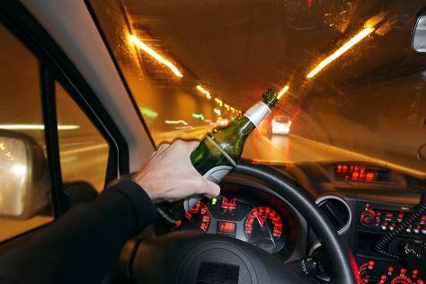Alkohol am Steuer: Alternative zu Atemtest und Blutprobe