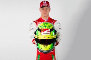 Mick Schumachers erster Ferrari-Helm