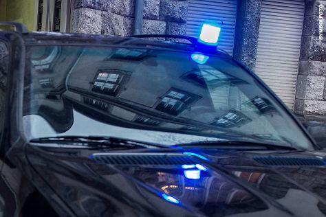 Audi-A4-Raser-nach-illegalem-Autorennen-gestoppt-Raser-fordert-Polizei-zu-Rennen-heraus
