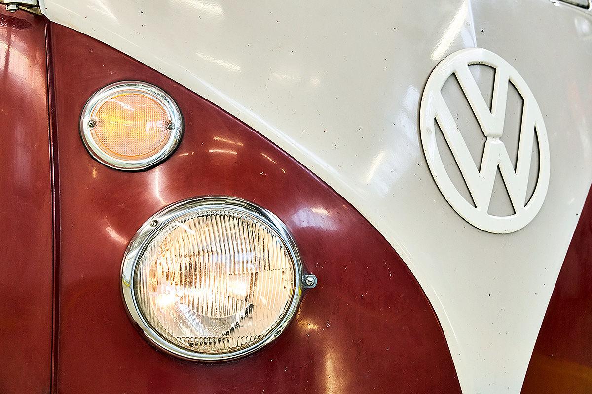 Das VW-Logo im Laufe der Jahrzehnte