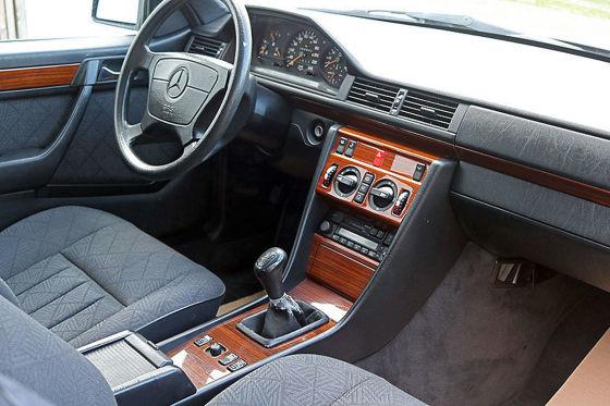 Mercedes E 200 Coupé mit Vorbesitzer Oliver Kahn
