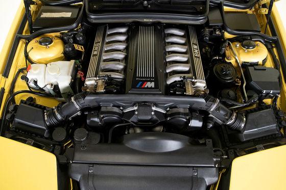 Dakargelber BMW 850 CSi zum Verkauf