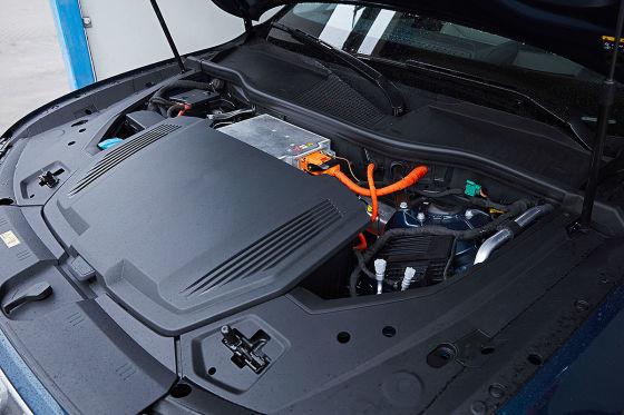 Sid vergleicht Audi e-tron mit Kampfstern Galactica