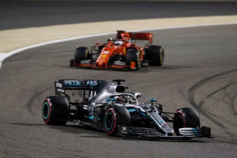 Hamilton liebt Nahkampf mit Ferraris