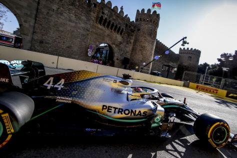 Formel 1 Ferrari Vs Mercedes In Baku Kampf Der Konzepte Autobild De